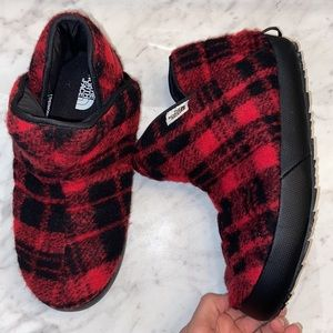 The North Face ThermoBall Traction Wool Booties 9